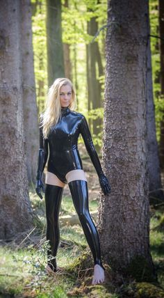Fetish Fashion, Latex Fashion, Women's Fashion, Latex Gif, Sexy Latex, Girly Girl Outfits, Latex Wear, Leather Outfits, Dominatrix
