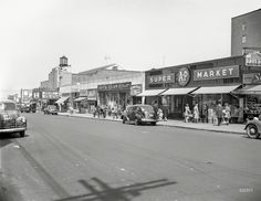 """New York, 1949. """"A&P Supermarket on Broadway in Queens. Prints by Juniper Gallery"""