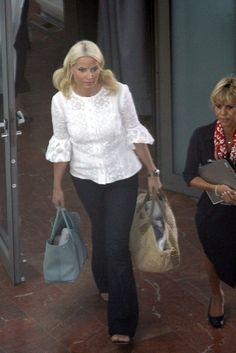 Princess Mette-Marit Photos - Princess Mette-Marit Leaves the Monaco Royal Wedding - Zimbio