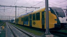 De overgespoten trein van Arriva.   Telegraaf