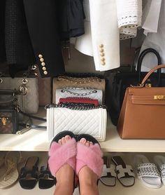 Sable Fur Coat, Mink Fur, Chinchilla Fur Coat, Fur Fashion, Fur Slides, Fur Jacket, Online Boutiques, Slippers, Shoes