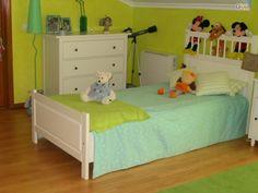Quer mudar a decoração do quarto do seu filho? Procure tudo o que precisa no OLX. Prático, a qualquer hora do dia e sem sair de casa! Se vale X, OLX!