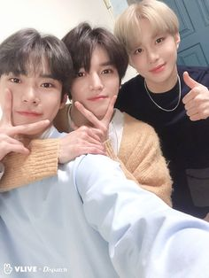 visual trio shinning through selfies Taeyong, Doyoung and Jungwoo - the three handsome members who represent return to the special section VLIVE x Dispatch. K Pop, Chanbaek, Jaehyun, Nct 127, Chanyeol, Rapper, Nct Group, Nct Doyoung, Nct Life
