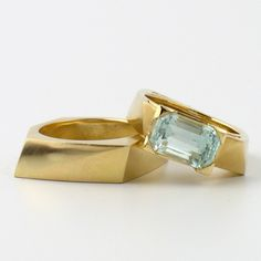 Why do F&L love Melanie Eddy? Because of the distinctive, crisp edges and unusual shapes of her engagement ring creations! View Melanie's best work here. Designer Engagement Rings, Gold Engagement Rings, Jewelry Box, Jewellery, Aquamarine Rings, Birthstones, Designers, Stud Earrings, Jewels