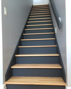 These stairs Two-toned stairs Redo Stairs, House Stairs, Basement Stairs, Staircase Makeover, Basement Makeover, Interior Stairs, Interior Design Living Room, Pine Stair Treads, Tiled Staircase
