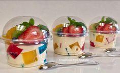 Gelatinas de mosaico y 3 leches individuales para negocio o mesa de postres