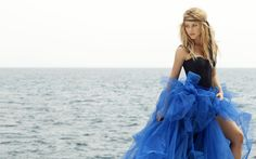 ALL HOLLYWOOD CELEBRITIES: Shakira Hot HD Wallpapers 2013