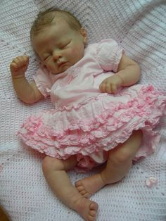 Adorable Real Baby Doll Girl Reborn Andi by Linday Murray... forse la prossima che adotterò sarà così...