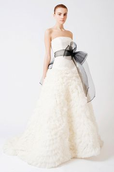 Vera #Wang 'Eleanor' #Feather Tulle Floral #Dress - Nearly Newlywed Wedding Dress Shop.