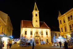 Weihnachtsmarkt in Varazdin auf dem Marktplatz