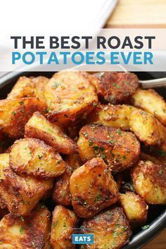 The crispiest, most flavorful roast potatoes you'll ever make. Large chunks of potato maximize the contrast between exterior and interior. Parboiling the potatoes in alkaline water breaks down their surfaces, creating tons of starchy slurry for added surf Side Dish Recipes, Vegetable Recipes, Vegetarian Recipes, Dinner Recipes, Healthy Recipes, Roast Recipes, Vegetarian Roast, Barbecue Recipes, Veggie Food