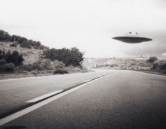 Although many UFO sightings often have rational explanations, a small number truly are unexplained. Here\'s our pick of the most compelling UFO sightings from all over the world Aliens Und Ufos, Ancient Aliens, Atlantis, Ufos Are Real, Alien Photos, Other Galaxies, Mystery, Unidentified Flying Object, Flying Saucer