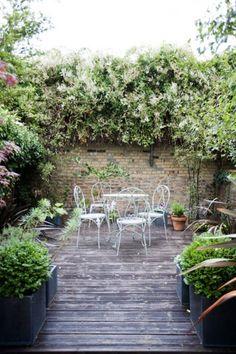 d co r cup pour le jardin une bassine en zinc transform e en fontaine au jardin pinterest. Black Bedroom Furniture Sets. Home Design Ideas