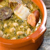 How to Eat and Drink Like a Local in Cantabria Food For Thought, Carrots N Cake, Palak Paneer, Pot Roast, Cooking Time, Cheeseburger Chowder, Coco, Sausage, Curry