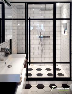 Desire your shower is greater than just there for function! See fantastic bathroom shower remodel ideas from property owners that have actually successfully tackled this preferred task. Diy Bathroom Decor, White Bathroom, Bathroom Fixtures, Small Bathroom, Bathroom Showers, Luxury Shower, Shower Surround, Shower Remodel, Shower Doors