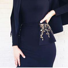Love the details Abaya Fashion, Muslim Fashion, Modest Fashion, Fashion Dresses, Hijab Evening Dress, Hijab Dress Party, Evening Dresses, Fashion Details, Fashion Design