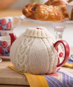 Teapot Cosy Free Knitting Pattern in Red Heart Yarns