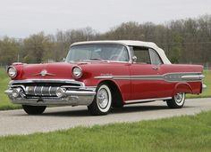 1957 Pontiac Star Chief Convertible (2867DTX)