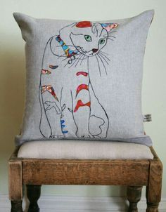 A cushion can be a friendly face. Applique cat cushion by on Etsy sold but she does custom work Applique Cushions, Embroidered Cushions, Sewing Pillows, Free Motion Embroidery, Free Machine Embroidery, Hand Embroidery, Applique Designs, Embroidery Designs, Cat Ideas