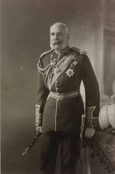 Romanian Royal Family, Franz Josef I, Austrian Empire, Order Of The Garter, Royal Families Of Europe, Royal Photography, Military Dresses, Austro Hungarian, Elisabeth