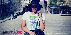 Camisetas con encanto, es el primero de los nuevos post que se van apoderar de Es De Mujer Vip. Me emociona mucho presentar la primera camiseta de la coleci T Shirts For Women, Tops, Fashion, Summer, T Shirts, Women, Moda, Fashion Styles, Shell Tops