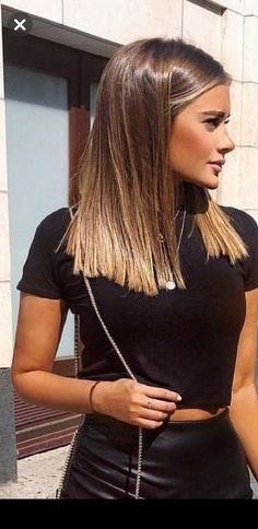 dyed hair color ideas for short hair color inspirations .- dyed hair color ideas for short hair color inspirations for 2019 00047 00022 dyed hair color ideas for short hair color inspirations for 2019 00047 00022 - Cabelo Ombre Hair, Cute Hair Colors, Lip Colors, Brown Blonde Hair, Brown Hair Cuts, Dark Blonde, Blonde Ombre, Hair Color Balayage, Hairstyles Haircuts