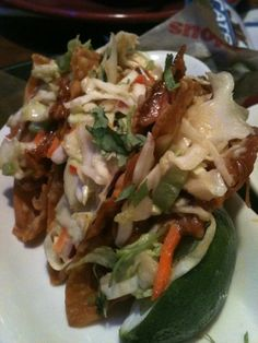 Applebee's Copycat Recipes: Chicken Wonton Tacos soooo good!