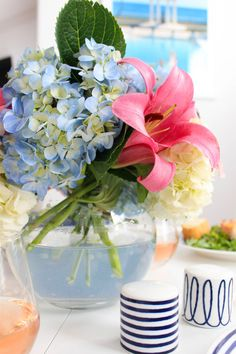sunday supper details from Jardin Decor, Partying Hard, Summer Flowers, Cottage Style, Decoration, Spring Time, Flower Power, Party Time, Flower Arrangements