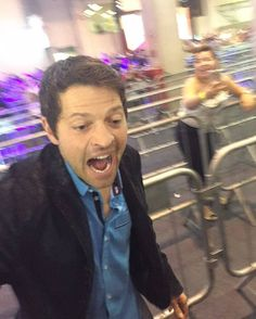 MISHA IN BRAZIL! Misha's reaction when he saw a fan! #mishacollins #sobrenatural #comiccon #ccxp #Supernatural #sobrenatural #spnfamily