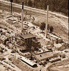 Construction of Graphite Reactor at Oak Ridge, begun February Operations began in November Oak Ridge Tennessee, Oak Ridge Tn, First Atomic Bomb, Nuclear Technology, Manhattan Project, Weapon Of Mass Destruction, Atomic Age, Graphite, Ww2