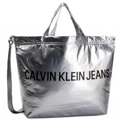 c2a033c63 Kabelka CALVIN KLEIN JEANS - Wet Tyvec Ew Tote W/Embroidery K60K605541 081  - Klasické