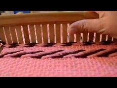 Clase Extra telar de peine : Punto sarga (espigado , zig-zag) - YouTube Leo, Weaving, Textiles, Youtube, Loom Knit, Knitting, How To Knit, Fabrics, Knit Rug