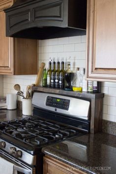 Build a shelf over your stove to hold your oils, vinegars, and seasonings. Full instructions with pictures on how to make your own. - Home Decoration and Diy Kitchen Decorating, Diy Kitchen Storage, Kitchen Redo, Kitchen Organization, New Kitchen, Kitchen Dining, Kitchen Cabinets, Kitchen Ideas, Bathroom Storage