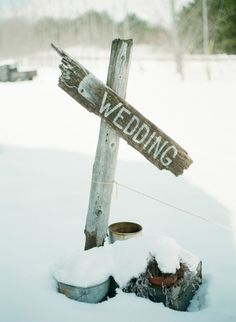 rustic wedding sign for a winter wedding | Photo by Emily Steffen Photography