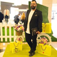 Yesterday @TedBaker released their SS17 collection and had a nice set up in @mall360  Thanks for @ascend_retail and @yamaahagency for the invite. Photo by @photographikitchen  So did you #meetthebakers ? . . ------ Visit SASHDESIGNS.COM ------ Follow my #Snapchat #SASHDESIGNS  #menstips  #menstyle  #menswear  #men  #shopping  #fashion  #blog  #blogger  #kuwait  #jordan  #uae #dubai #influencer #effyourbeautystandards  #plussize #plussizefashion #plusmenrevolution #influencer #مطاعم #الكويت…