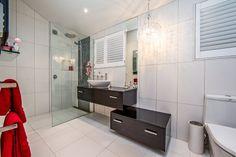 Bathroom designed for Stewart Scott Cabinetry by Heather Wood CKDNZ