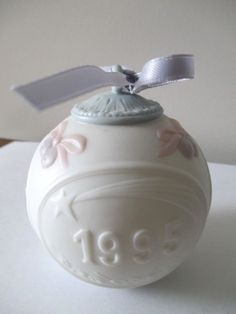 Lladro Daisa Hand Made in Spain Christmas Ornament 1995 Round Matte Shepherds