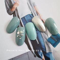 大人シックなカジュアル秋ネイル(Privatenailsalones)ー秋ネイル