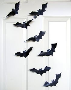 How to make Halloween Bats from Inner tubes + bat template