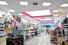 Instalación de Barrisol por Factorii en tienda Rickys en Santa Cruz de Tenerife.