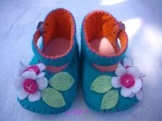 baby shoes felt flower