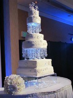 @Patricia Byers  look at this cake  crazy beautiful. Winter Wonderland Crystal Wedding Cake