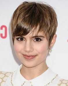 Best short hairstyles for round face-25