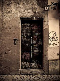graffiti door | by Randy Durrum