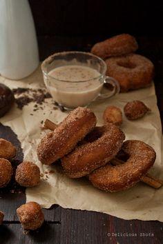 gastrogirl:    cinnamon doughnuts with chocolate sauce and homemade chai tea.