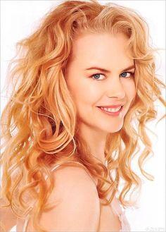 Nicole Kidman Nicole Kidman, Strawberry Blonde Hair Color, Blonde Orange Hair, Reddish Blonde Hair, Golden Blonde, Curly Hairstyle, Wavy Hair, New Hair, Pretty Hairstyles