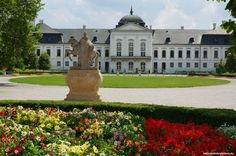 Known as Slovakia's White House, Grassalkovich palace is the official seat of the president of Slovakia. Its large French garden which is one of the most po Palace, Sweet Home, Bratislava Slovakia, European Countries, Mansions, Czech Republic, House Styles, Garden, Google Search