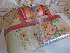 French lace maker's pillow, antique bobbin lace making cushion by Histoires on Etsy https://www.etsy.com/listing/210370081/french-lace-makers-pillow-antique-bobbin