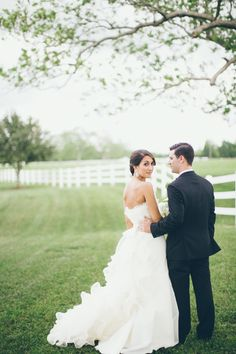 love the grass, white picket fence, the dress. yum.