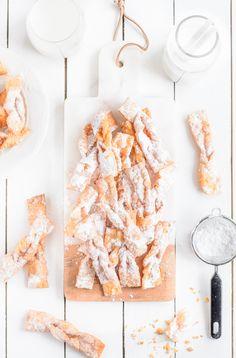 Najlepszy przepis na faworki Baked Goods, Favorite Recipes, Food, Kaffee, Bakken, Essen, Meals, Yemek, Eten